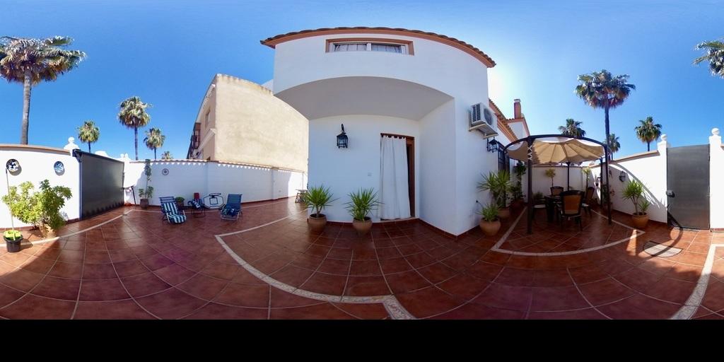 Pareada en Villanueva del Ariscal