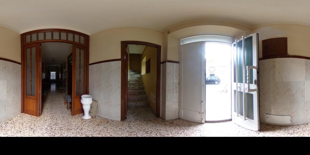Casa y piso en calle Pajaritos