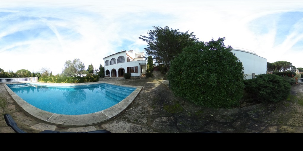 CEIGRUP Gran casa con piscina en l'EScala