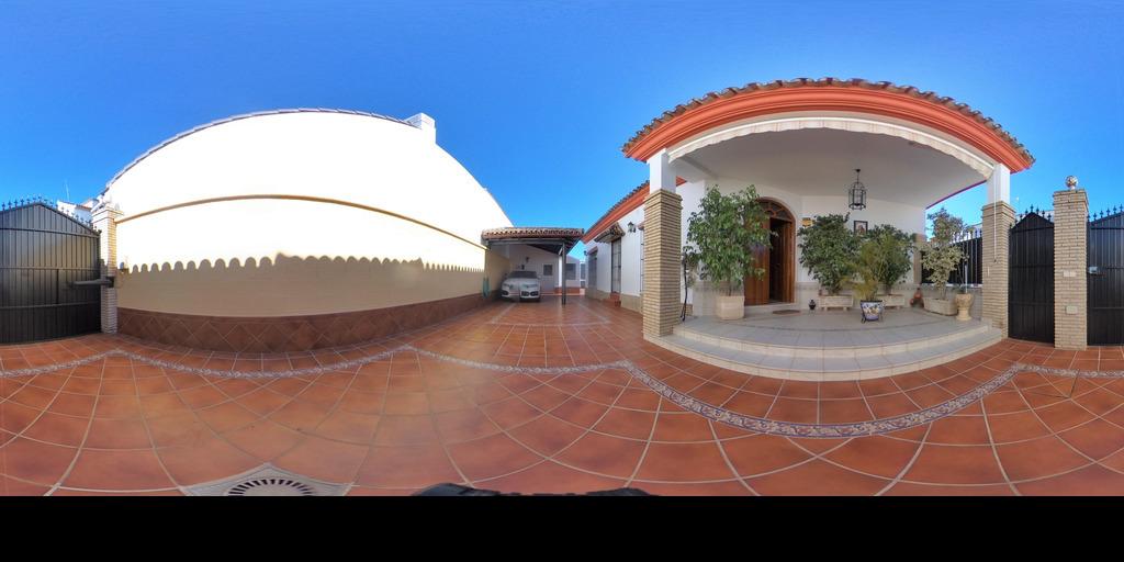 Pareada en la mejor zona de Villanueva del Ariscal