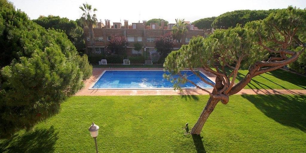 Sol y vida junto al mar, Castelldefels