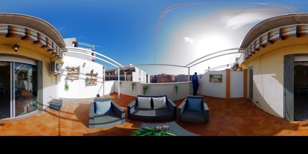 Espectacular terraza con vestidor de regalo