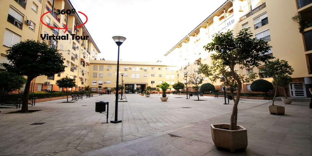 Dúplex con plaza de garaje en Parque de Grazalema.