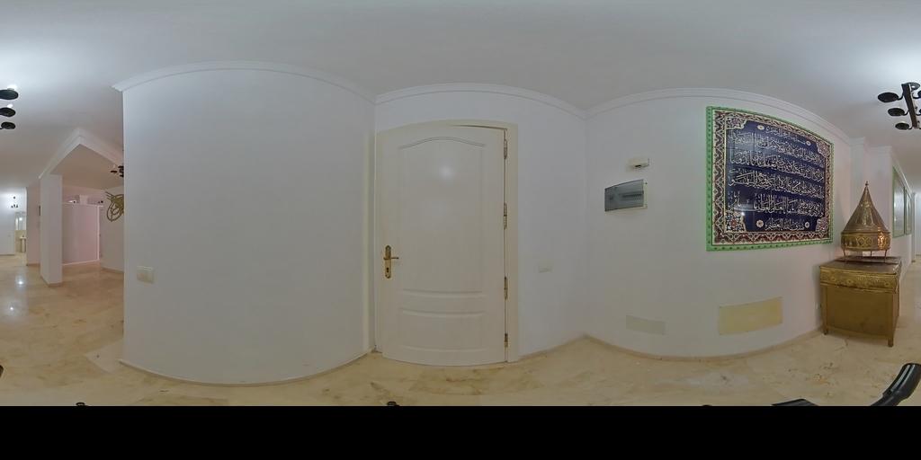 Piso exterior de tres dormitorios en calle Sagasta
