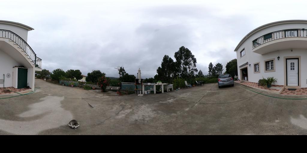 Moradia V2+1 com terreno e vistas desafogadas