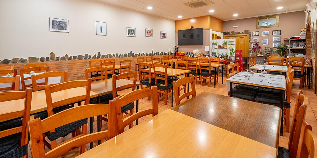 V0107 - Bar Restaurante-  Avda. Catalunya nº23 Baj