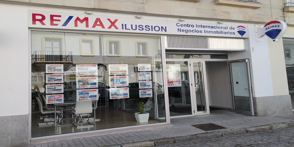 OFICINA REMAX ILUSSION SUN