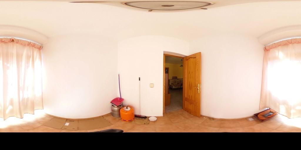 Estupendo piso en la zona de Casería de Montijo.