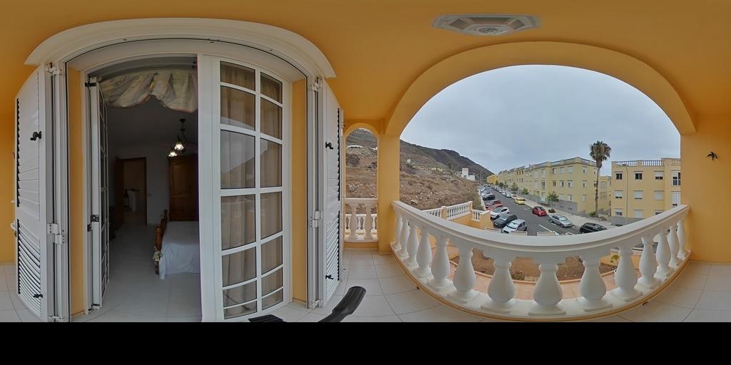 Casa con terraza en Tinocas