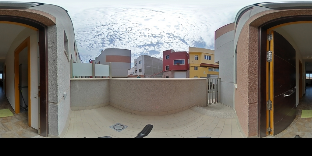 Duplex con Terraza en Costa Ayala