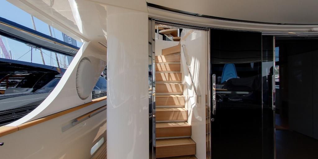 Y4H Yacht