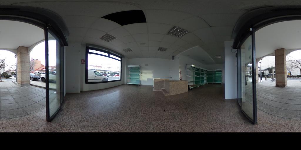 REMAX Lodonar Local San Fernando - Villalba