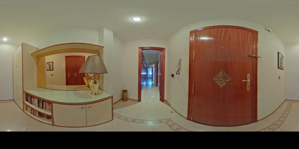 Rginmobiliaria vende Piso en avda. de Don Benito