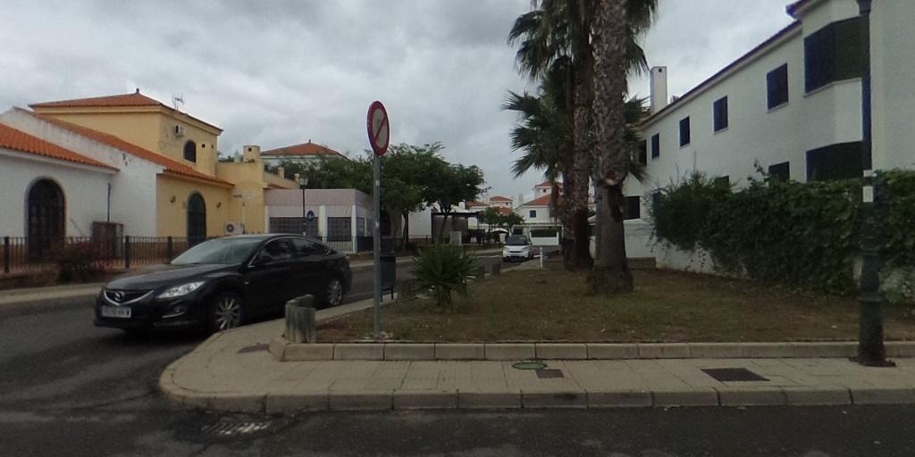 Chalet Adosado en El Rompido, Urb. Los Enebros
