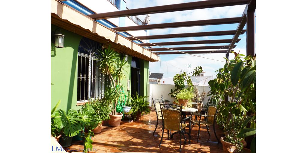 RE/MAX Innova - Casa en Los Rosales