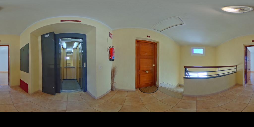 Alquiler RemaxLodonar Piso con terraza en C/Oviedo
