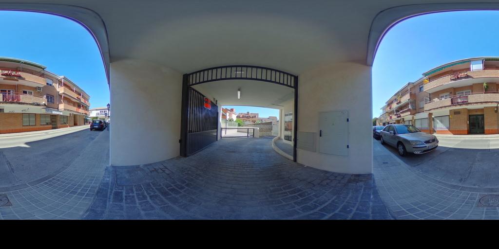 Plaza Garaje Torre - REMAX Lodonar
